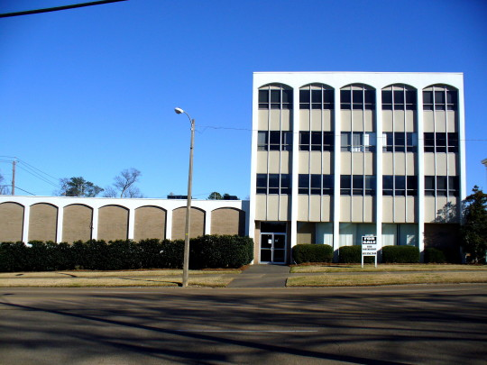 656 N. State Street, Jackson, MS 39202 – 34,494 SF
